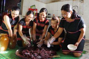 Phụ nữ Kon Tum nâng cao thu nhập từ khởi nghiệp