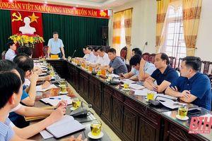 Thiếu tướng Trần Phú Hà, Giám đốc Công an tỉnh, Trưởng tiểu ban ANTT Ủy ban Bầu cử tỉnh Thanh Hóa kiểm tra công tác chuẩn bị bầu cử tại huyện Nga Sơn