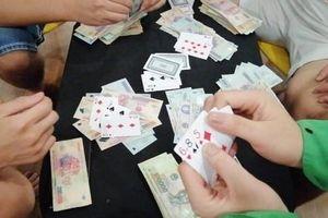 Quảng Trị: Nhiều cán bộ huyện cùng chủ doanh nghiệp bị khởi tố vì đánh bạc
