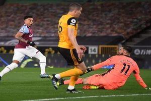 Lingard lập siêu phẩm, West Ham 'đá bay' Chelsea khỏi top 4