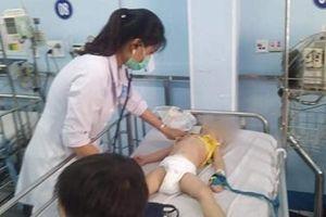 TP Hồ Chí Minh: Nhiều ca trẻ bị tay chân miệng nặng phải nhập viện
