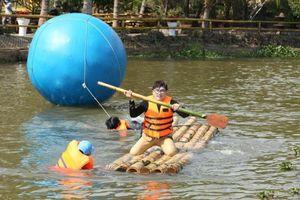 MC Đại Nghĩa lao xuống hồ tại Đà Lạt để hỗ trợ Khương Ngọc