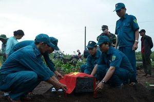 Huyện Bình Sơn (Quảng Ngãi) quy tập hài cốt liệt sĩ vào Nghĩa trang liệt sĩ
