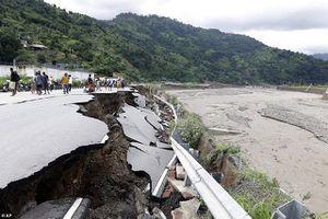 Lở đất kinh hoàng ở Indonesia, ít nhất 126 người chết