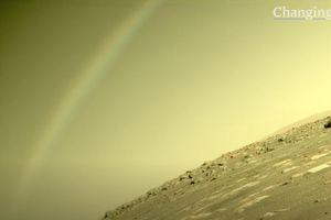 NASA công bố cảnh tượng đáng kinh ngạc được chụp trên sao Hỏa, tranh cãi lớn nổ ra vì quá khó tin