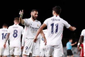 Vinicius tỏa sáng, Real Madrid đè bẹp Liverpool