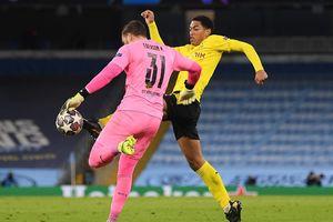 Thua đau Man City, sao trẻ Dortmund đặt dấu hỏi với trọng tài