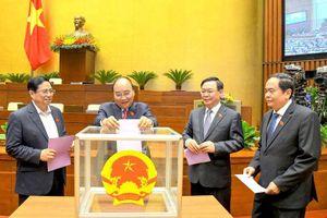 Quốc hội bầu một số Phó Thủ tướng Chính phủ, Phó Chủ tịch và Ủy viên HĐBCQG