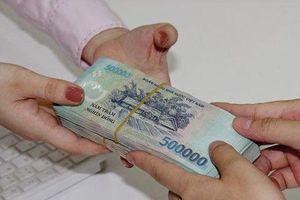 Doanh nghiệp lãi khủng chốt quyền nhận cổ tức bằng tiền mặt