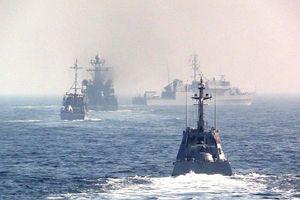 Lo quân đội Nga ở sát biên giới, Tổng thống Ukraine tức tốc cầu viện NATO