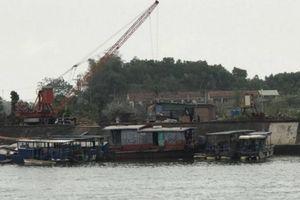 Cảng bến không phép ngày càng tấp nập, chính quyền liệu có 'bó tay'?