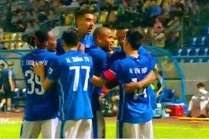 Thắng Sài Gòn 1-0, Than Quảng Ninh chiếm ngôi đầu của HAGL