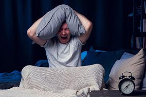 Những thói quen ăn uống gây ảnh hưởng đến giấc ngủ của bạn