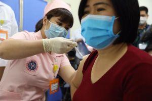 Bộ Y tế: Mục tiêu năm 2021 có vắc xin COVID-19 'made in' Việt Nam