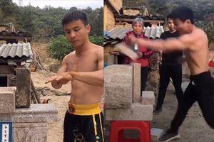 Chàng trai gây tranh cãi vì có thể biểu diễn Nhất Thốn Quyền như huyền thoại Lý Tiểu Long