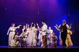 Sau 'cháy vé', vở nhạc kịch 'Những người khốn khổ' lưu diễn Bắc - Nam