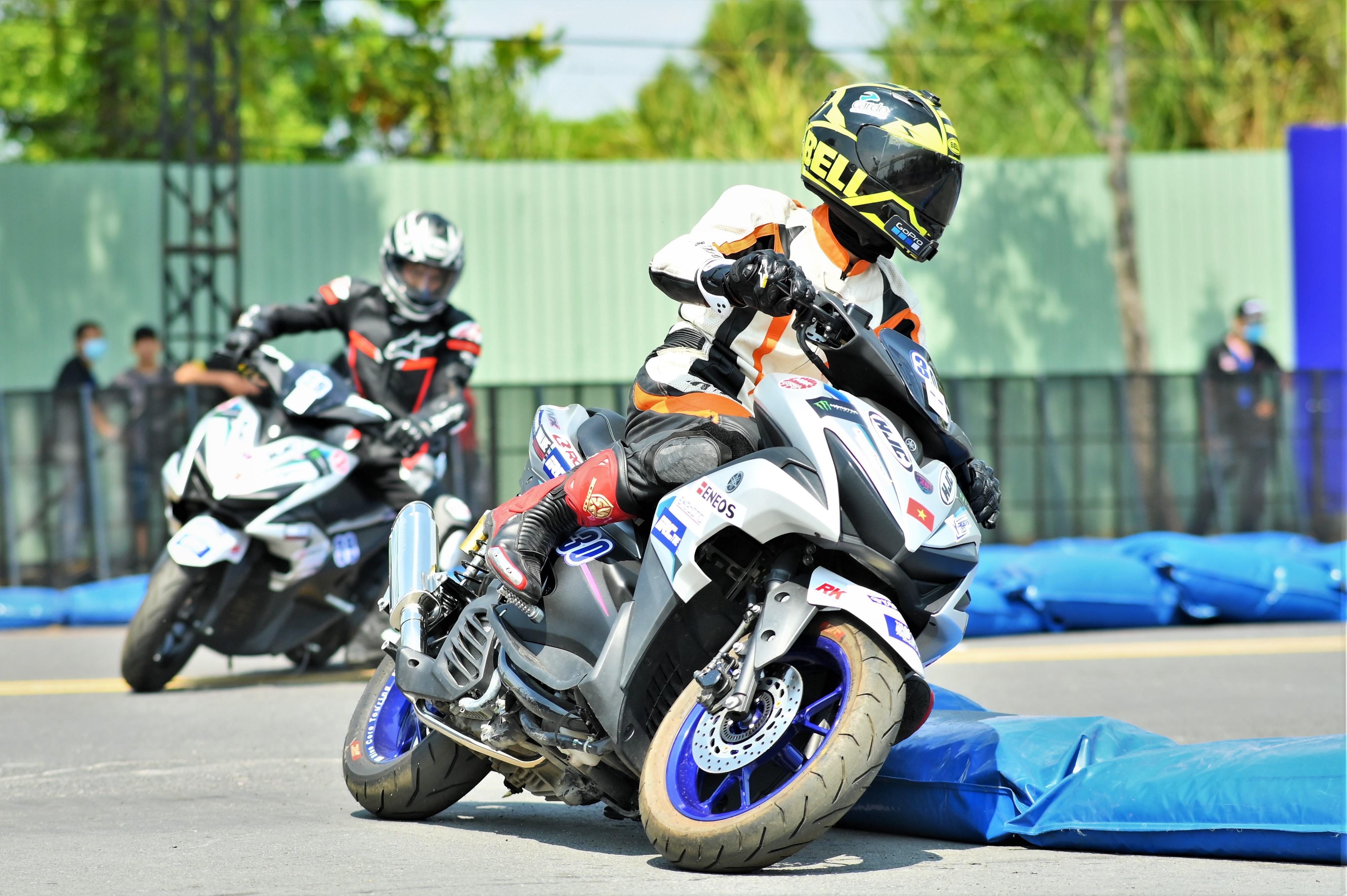 Xe tay ga Yamaha NVX bản đua tại Việt Nam có gì đặc biệt?