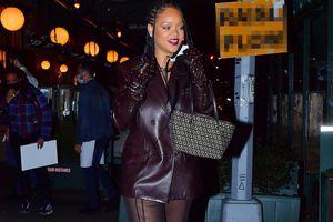 Rihanna mặc quần xuyên thấu dự sinh nhật mẹ