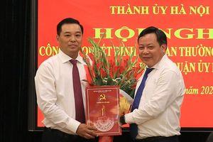 Ông Đinh Hồng Phong giữ chức Phó Bí thư Quận ủy Hoàn Kiếm