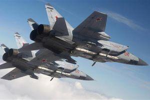Máy bay EW Na Uy vội bỏ đi khi MiG-31 áp sát