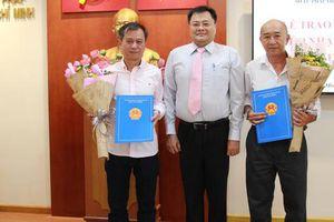 Trao quyết định nhập quốc tịch Việt Nam cho người nước ngoài