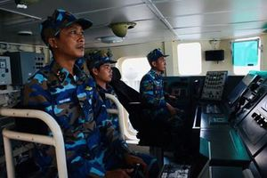 Tháng Tư trên Quân cảng Lữ đoàn 127, Vùng 5 Hải quân
