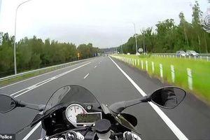 Khoe chạy mô tô 201 km/h, nam thanh niên nhận 'án phạt' nặng