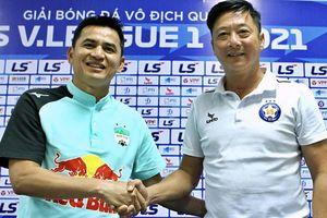 U19 HAGL bị loại 'tức tưởi' ở vòng chung kết; Lê Huỳnh Đức so tài Kiatisuk: Hơn cả một trận đấu