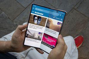 Samsung Galaxy Z Fold 3 có thể có màn hình bên ngoài nhỏ hơn