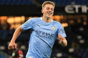 Bị Real nhăm nhe, Man City đôn tài năng trẻ Liam Delap lên đội 1