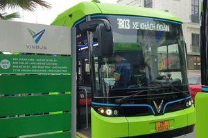 Xe buýt điện lần đầu lăn bánh tại Hà Nội
