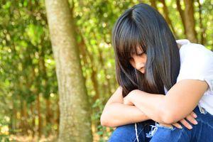 Cô gái 20 tuổi nhảy sông tự tử, biết hoàn cảnh ai cũng xót xa
