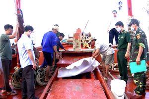 Quyết liệt chống buôn lậu xăng dầu trên biển