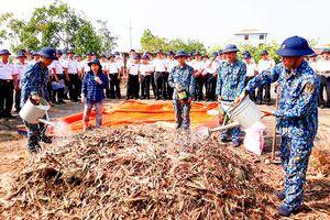Vùng 4 Hải quân: Tập huấn xử lý chất thải hữu cơ thành phân bón