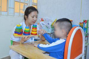 Điều trị, chăm sóc trẻ tự kỷ