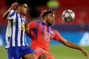 HLV Porto tố trọng tài thiên vị Chelsea