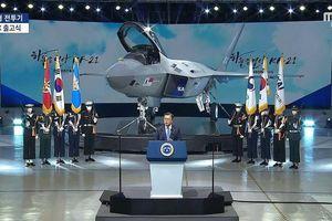 Hàn Quốc ra mắt tiêm kích tàng hình KF-21 đắt nhất lịch sử