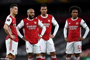 Cần ai đó đấm vào mặt… cầu thủ Arsenal