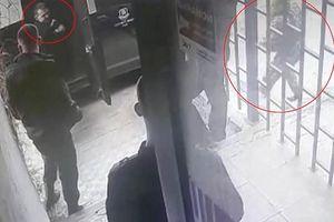 Đóng vai kẻ cướp khi diễn tập, nhân viên an ninh bị đồng nghiệp dùng súng bắn tử vong