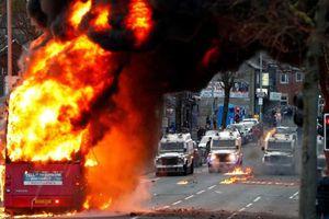 Bạo động Bắc Ireland: Mỹ kêu gọi bình tĩnh, EU lên án mạnh mẽ