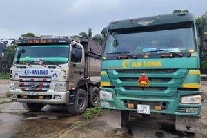 Bắt quả tang 2 xe tải vận chuyển 30 tấn chất thải công nghiệp