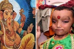 Cậu bé được thờ như thần, cha mẹ nhìn thấy phải quỳ xuống chào