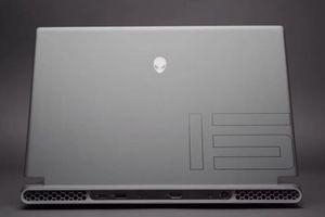 M15 R5 là laptop gaming sử dụng chip AMD đầu tiên của Alienware
