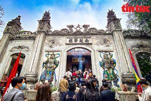 Mở tour du lịch đêm Đền Hùng từ ngày 12/4