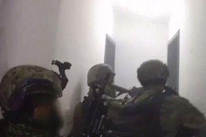 Clip: Màn đấu súng căng não vây bắt trùm ma túy khét tiếng El Chapo