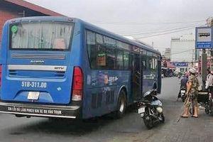 Nhân viên xe buýt khước từ người khuyết tật bị tạm ngừng công việc