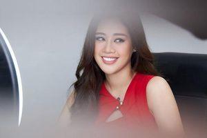 Cuộc chạy đua của Khánh Vân và dàn mỹ nhân quốc tế trên trang chủ Miss Universe