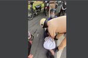 Lời kể của CSGT bắt người cầm dao khống chế tài xế xe buýt