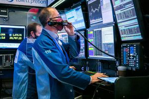 Giới đầu tư ào ào gom cổ phiếu, chứng khoán Mỹ lập đỉnh 3 phiên liên tiếp