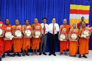 Đồng chí Trần Thanh Mẫn thăm và chúc Tết Chôl Chnăm Thmây tại Sóc Trăng